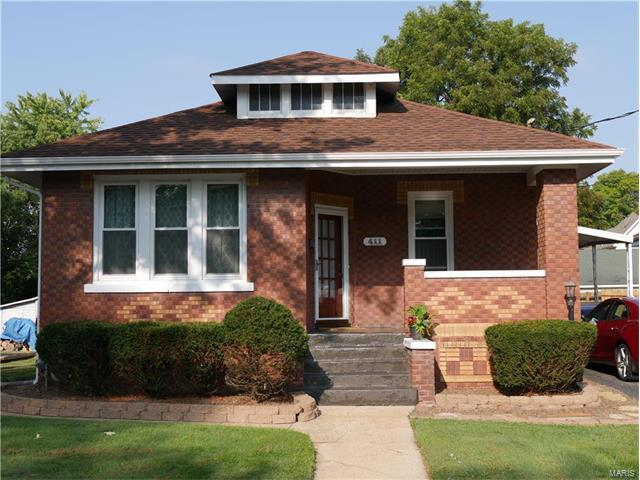 411 S Clinton Street, Collinsville, IL 62234 (#17093994) :: Holden Realty Group - RE/MAX Preferred