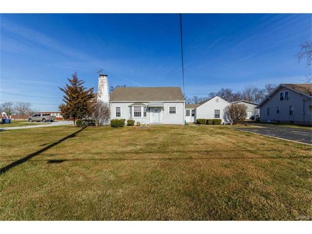 15 N Service Road, Saint Peters, MO 63376 (#17094026) :: RE/MAX Vision