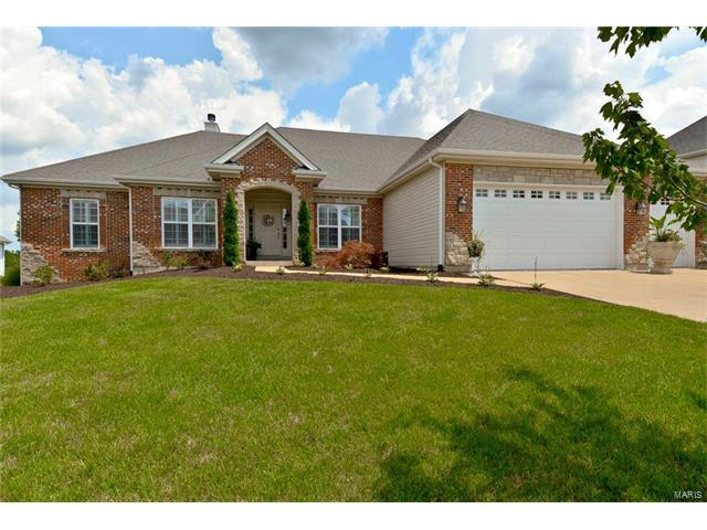 277 Bountiful Pointe Circle, Wildwood, MO 63040 (#17094670) :: The Kathy Helbig Group