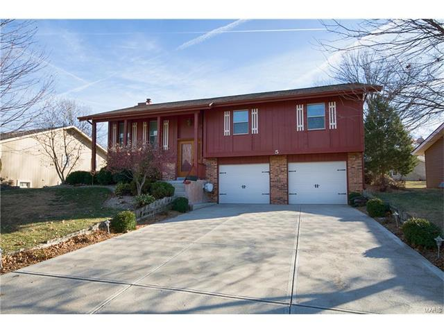 5 Charleroi Place, Lake St Louis, MO 63367 (#17095289) :: The Kathy Helbig Group
