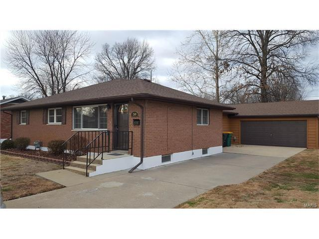 2589 Boyle Avenue, Granite City, IL 62040 (#17095368) :: Holden Realty Group - RE/MAX Preferred