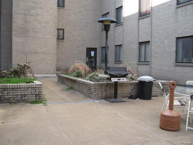 4355 Maryland Avenue #123, St Louis, MO 63108 (#17096022) :: Sue Martin Team