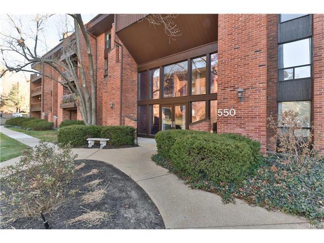 550 Coeur De Royale Drive #202, Creve Coeur, MO 63141 (#17096357) :: St. Louis Finest Homes Realty Group