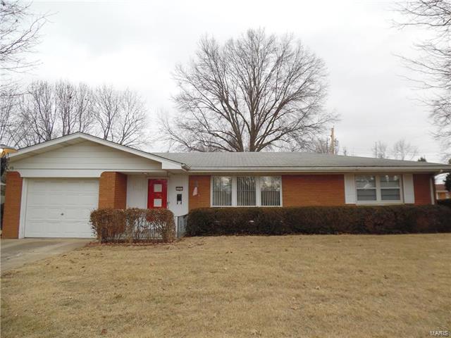 121 Barrington Drive, Belleville, IL 62223 (#18000307) :: Clarity Street Realty