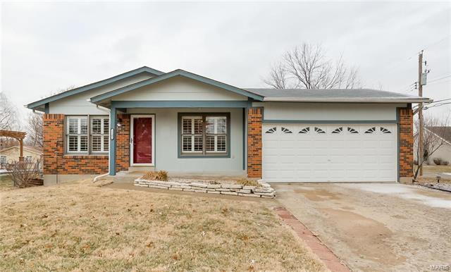12101 Jeannette Mary, Maryland Heights, MO 63043 (#18000372) :: St. Louis Finest Homes Realty Group