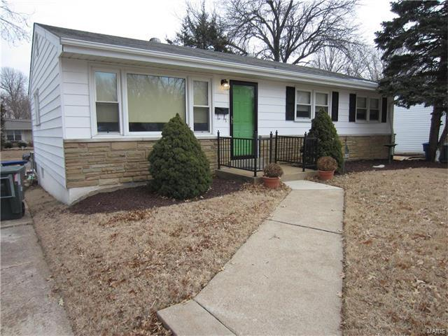 3933 Crosby, St Louis, MO 63123 (#18000970) :: Clarity Street Realty