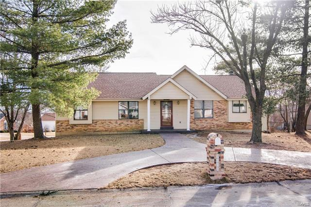 3012 Country Knoll, Saint Charles, MO 63303 (#18001437) :: St. Louis Finest Homes Realty Group