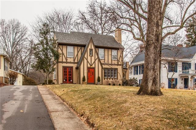 33 Plant Avenue, Webster Groves, MO 63119 (#18001877) :: Clarity Street Realty