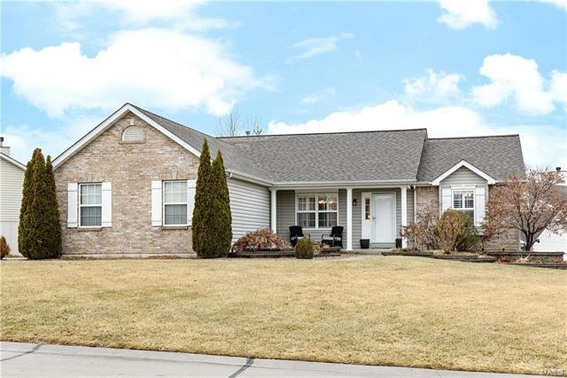2723 Post Meadows Drive, O'Fallon, MO 63368 (#18001911) :: Kelly Hager Group | Keller Williams Realty Chesterfield