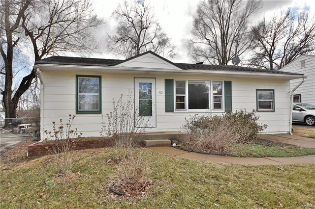 162 Anistasia Drive, St Louis, MO 63135 (#18002075) :: Clarity Street Realty