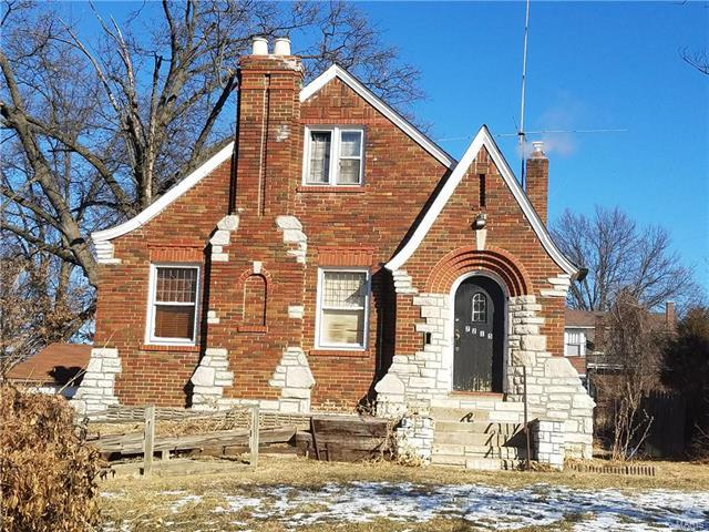 7215 Saint Andrews Place, St Louis, MO 63121 (#18002081) :: Sue Martin Team