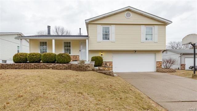 136 Whispering Oaks, Saint Charles, MO 63304 (#18002089) :: St. Louis Finest Homes Realty Group