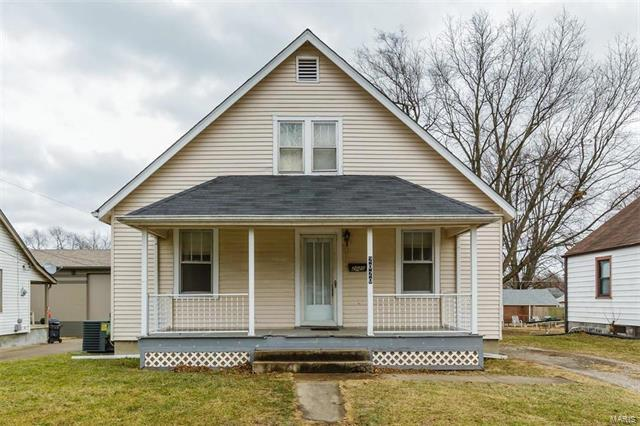 2020 N 5th, Saint Charles, MO 63301 (#18002223) :: Clarity Street Realty
