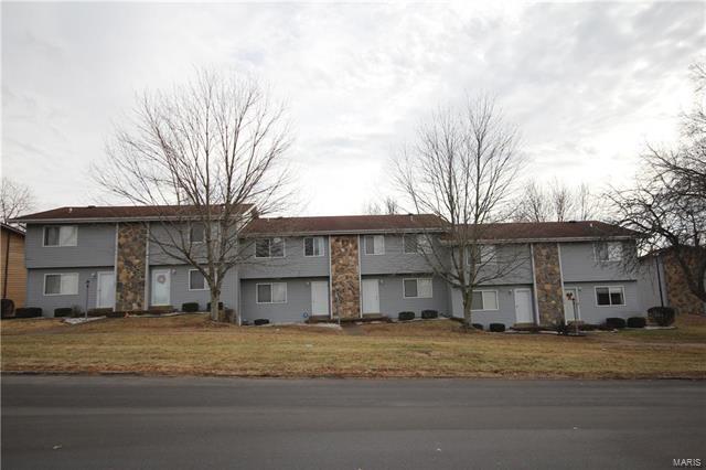 2204 Gascony Drive, Lake St Louis, MO 63367 (#18002414) :: Sue Martin Team