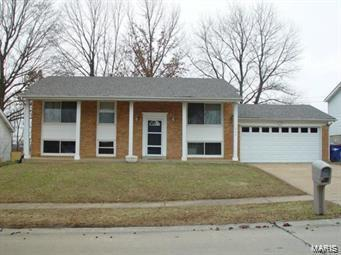 1446 Roth Hill Drive, Maryland Heights, MO 63043 (#18002458) :: St. Louis Finest Homes Realty Group