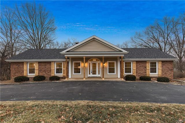 12055 Point Oak, St Louis, MO 63131 (#18002488) :: Kelly Hager Group | Keller Williams Realty Chesterfield