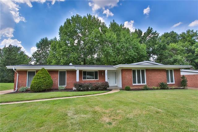346 Norwood Circle, Ballwin, MO 63011 (#18002506) :: Kelly Hager Group | Keller Williams Realty Chesterfield