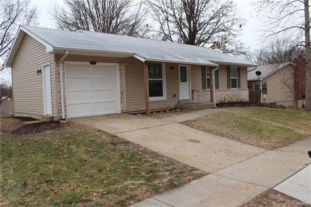 11980 Meadow Run Court, Maryland Heights, MO 63043 (#18002585) :: St. Louis Finest Homes Realty Group