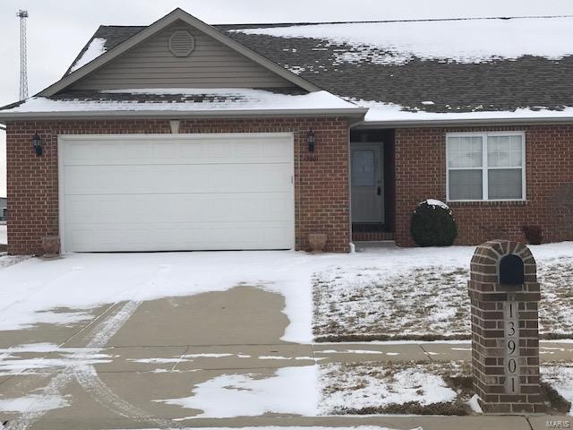 13901 Lincoln Drive, BREESE, IL 62230 (#18002948) :: Sue Martin Team