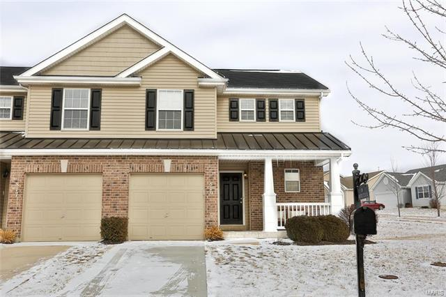 819 Country Field Drive, Lake St Louis, MO 63367 (#18003142) :: St. Louis Realty