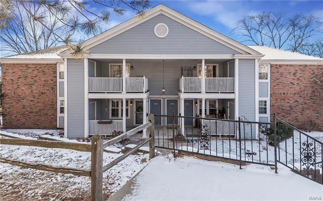 9025 Cardinal Terrace, Brentwood, MO 63144 (#18003248) :: Clarity Street Realty