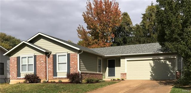 207 Birchleaf, Saint Peters, MO 63376 (#18003374) :: St. Louis Realty