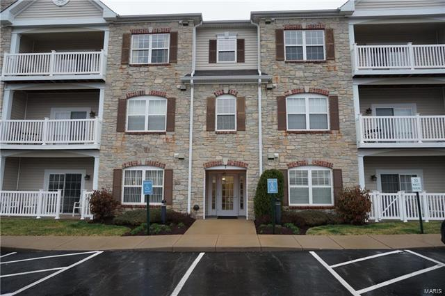 1 Monarch Trace #204, Chesterfield, MO 63017 (#18003438) :: Clarity Street Realty