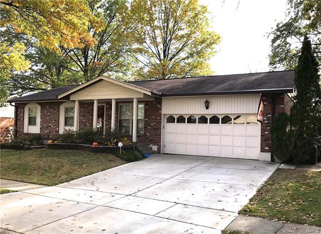 4036 Camelot Estates Ct. Court, St Louis, MO 63129 (#18003448) :: Clarity Street Realty