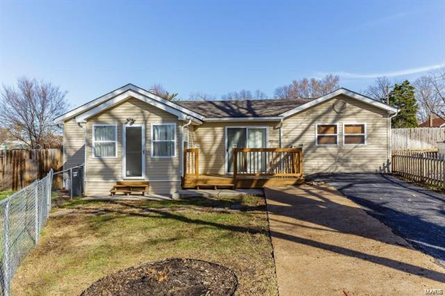 5207 Lakewood Avenue, St Louis, MO 63123 (#18003824) :: Clarity Street Realty
