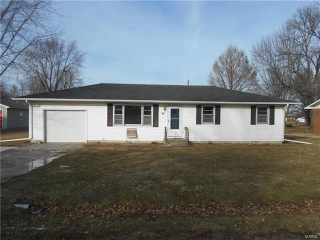 500 W Arlington Avenue, Vandalia, MO 63382 (#18004447) :: Sue Martin Team