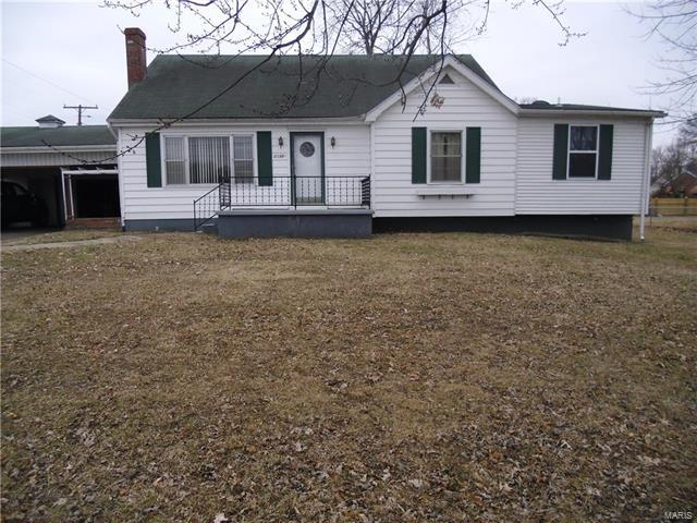 2132 Amos Avenue, Granite City, IL 62040 (#18004533) :: The Kathy Helbig Group