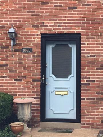 1065 Pinegate Drive, St Louis, MO 63122 (#18004671) :: Sue Martin Team