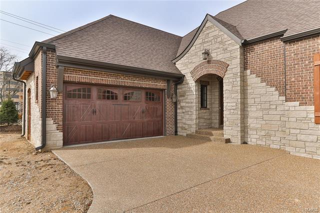 11241 Mosley Manor Court, Creve Coeur, MO 63141 (#18005193) :: The Duffy Team