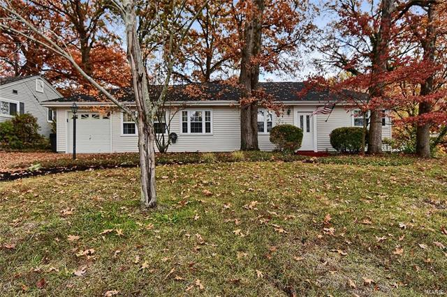 1098 Etherton Drive, Crestwood, MO 63126 (#18005729) :: The Becky O'Neill Power Home Selling Team