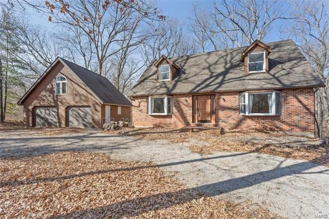2951 Pinewood Drive, Columbia, IL 62236 (#18006188) :: Holden Realty Group - RE/MAX Preferred