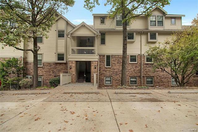 12956 Bryce Canyon Drive D, Maryland Heights, MO 63043 (#18007838) :: Sue Martin Team