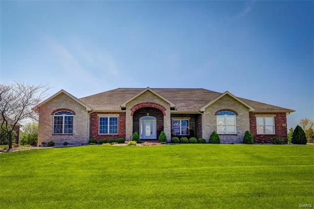 520 Pfeffer Drive, Columbia, IL 62236 (#18008083) :: Holden Realty Group - RE/MAX Preferred