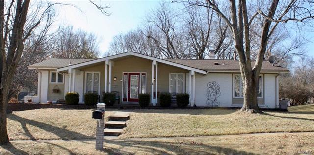 1705 Shallowbrook Drive, Unincorporated, MO 63146 (#18008334) :: Sue Martin Team