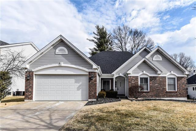 16820 Ashberry Circle Drive, Chesterfield, MO 63005 (#18009403) :: Sue Martin Team