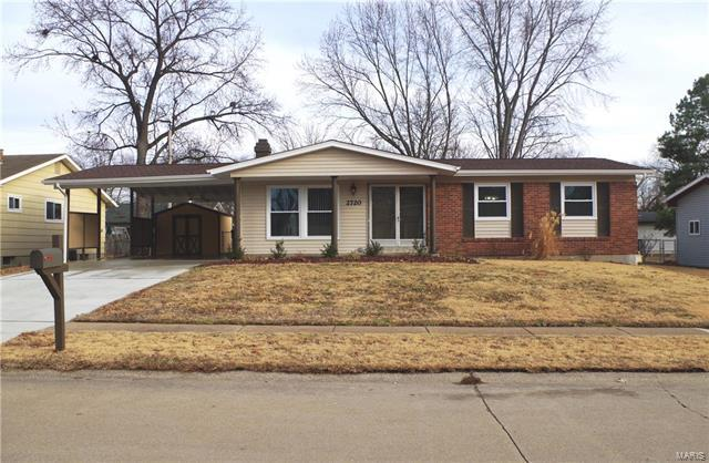2720 Radcliffe, Florissant, MO 63031 (#18009599) :: Clarity Street Realty