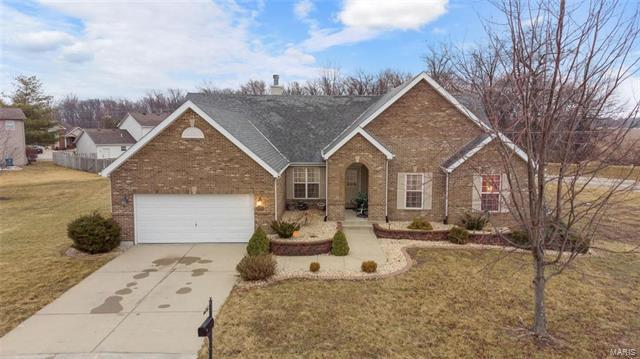1316 Corliss Court, Belleville, IL 62221 (#18010529) :: Holden Realty Group - RE/MAX Preferred