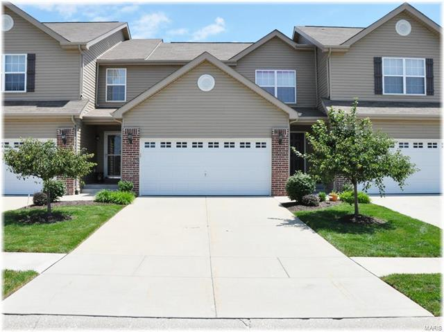7032 Conner Pointe Drive, Fairview Heights, IL 62208 (#18010922) :: Clarity Street Realty