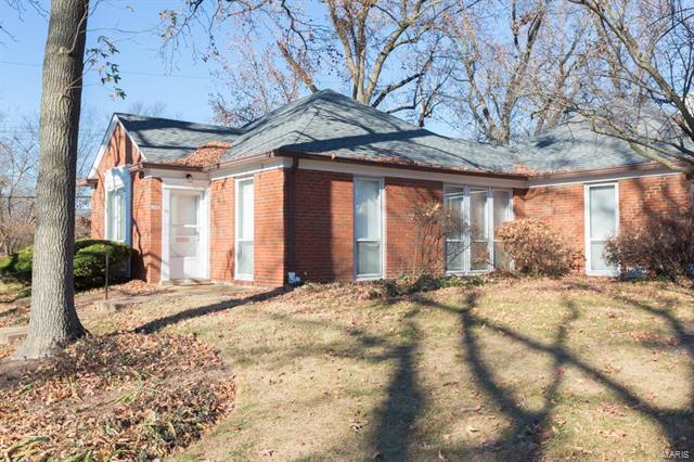 711 Berick Drive, St Louis, MO 63132 (#18011106) :: Clarity Street Realty