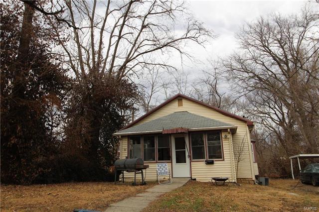 2512 Locust Avenue, Alton, IL 62002 (#18013568) :: Holden Realty Group - RE/MAX Preferred