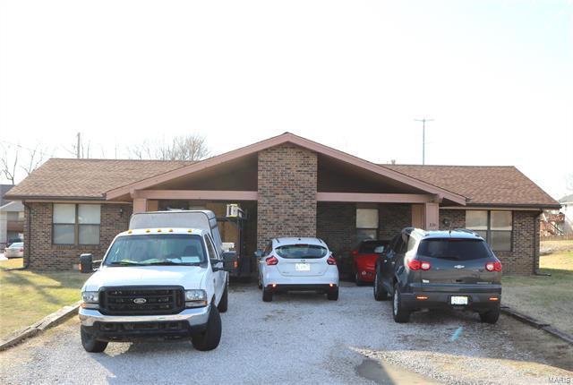 33 Villa, Belleville, IL 62223 (#18013942) :: Clarity Street Realty
