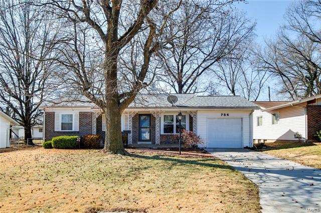 754 Lamplight, Hazelwood, MO 63042 (#18014226) :: Clarity Street Realty