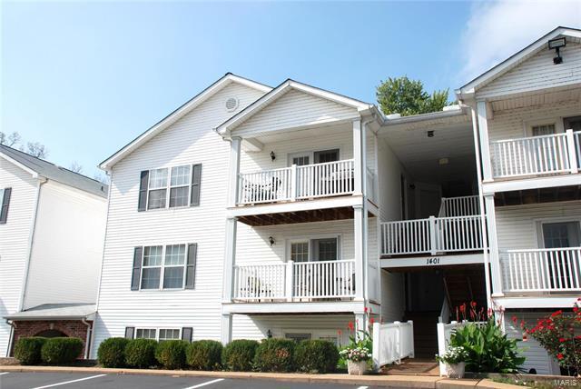 1401 Summertree Springs Avenue I, Valley Park, MO 63088 (#18014300) :: Sue Martin Team