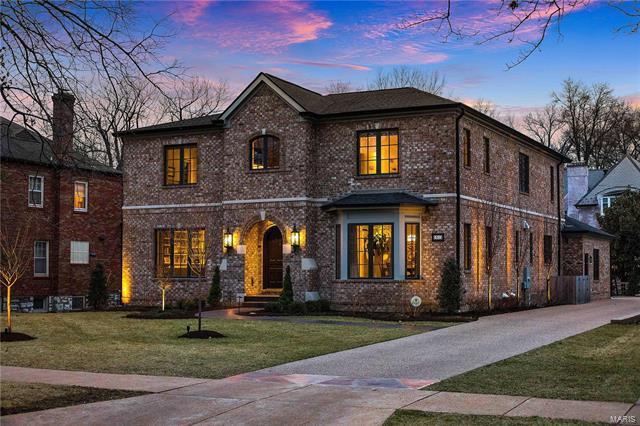31 Ridgemoor Drive, Clayton, MO 63105 (#18014638) :: Clarity Street Realty