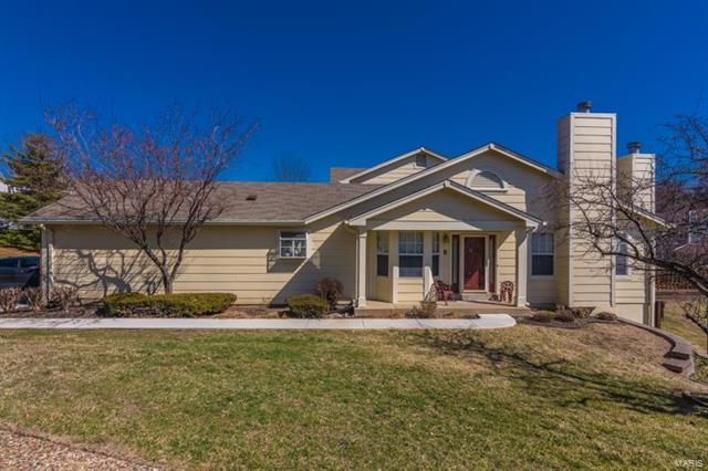 3136 Autumn Shores, Maryland Heights, MO 63043 (#18014683) :: Clarity Street Realty