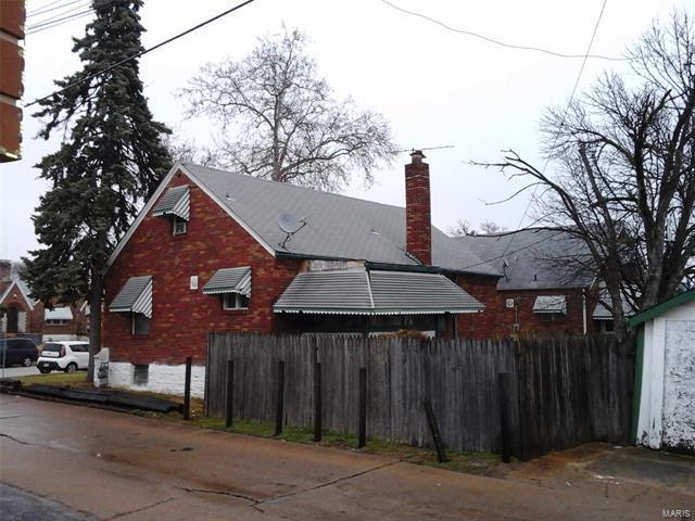 6208 N Pointe Boulevard, St Louis, MO 63147 (#18014791) :: Clarity Street Realty